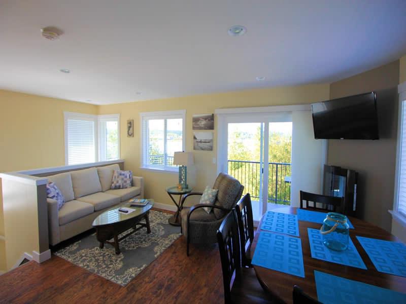 raven cottage living room