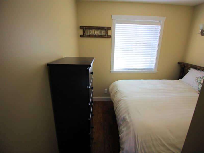 raven cottage room 02