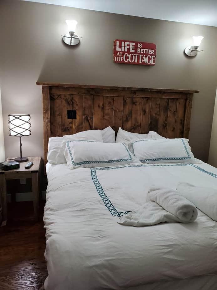 bedroom thunderbird cottage