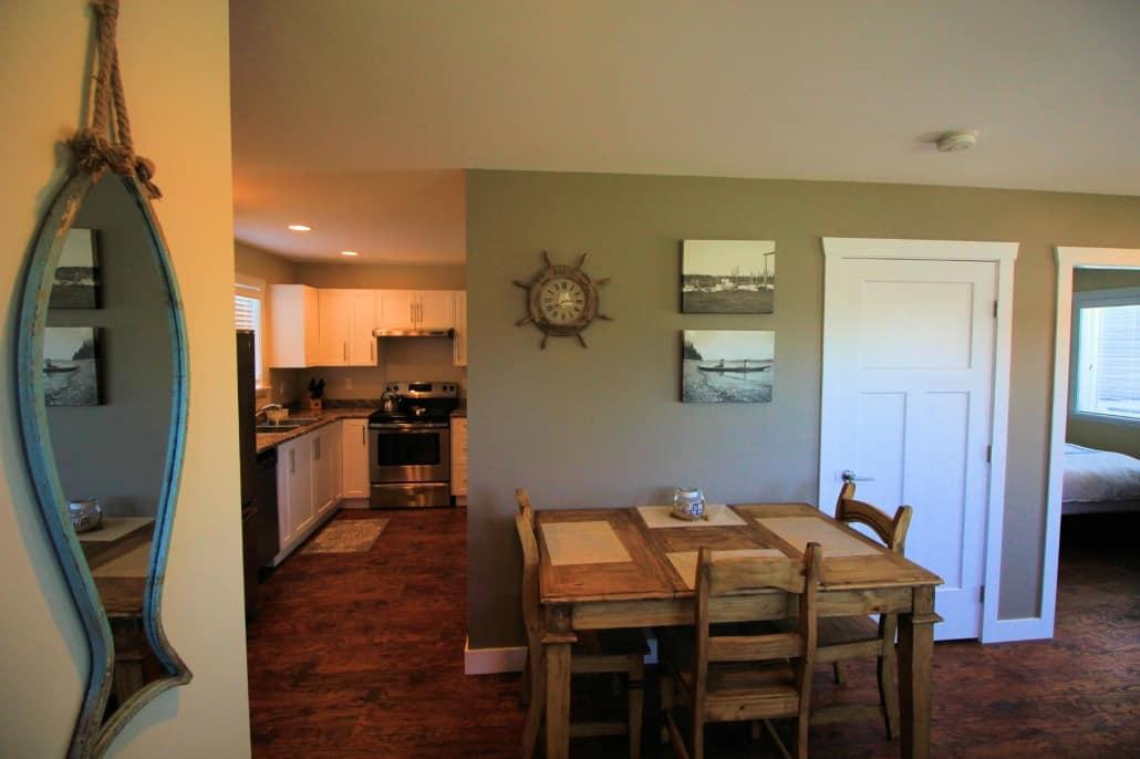 living area thunderbird cottage